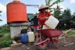 KRISIS AIR BERSIH : BPBD Temanggung Salurkan Air Bersih ke 8 Dusun