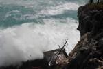 GELOMBANG TINGGI : 8 Pelaut Belum Ditemukan, Kapal Pecah Jadi 2