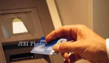Yeay! Bank BUMN Tunda Biaya Cek Saldo dan Tarik Tunai di ATM Link