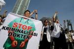 PENANGKAPAN DOKTER MANADO : Legislator: Dokter Bukan Tuhan dan Tak Kebal Hukum