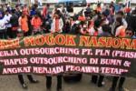 UMK 2014 : Pemerintah Tuding Demo Buruh Tak Efektif