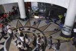 RUSUH SIDANG MK : Polisi Bantah Telat Tangani Kerusuhan MK