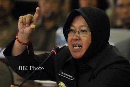 CAMPUS SOCIAL RESPONSIBILITY 2015 : Kalangan Kampus Surabaya Tangani Anak Putus Sekolah