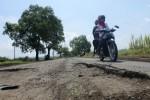 JALAN RUSAK PONOROGO : Jalan di Ponorogo Rusak, Netizen Berharap Perbaikan