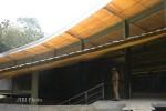 Camat Gondangrejo, Suhardi, saat meninjau bangunan Museum Dayu di Desa Dayu, Kecamatan Gondangrejo, Karanganyar, Selasa (21/5/2013). (Dok/JIBI/Solopos)