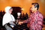 Siti Subandiyah Raih Adhikarya Pangan Nusantara 2013