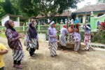 FOTO REVOLUSI BUDAYA ILMU GIRI : MENYAMBUT TAMU