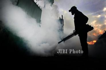 Ilustrasi fogging atau pengasapan untuk memutus daur hidup nyamuk (JIBI/Harian Jogja/Desi Suryanto)