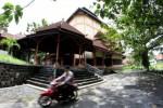RUANG PUBLIK SOLO : Simpul Sosial Budaya Kota Solo Terjajah PAD