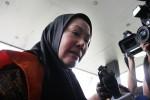 FOTO RATU ATUT : Pemeriksaan Perdana Atut