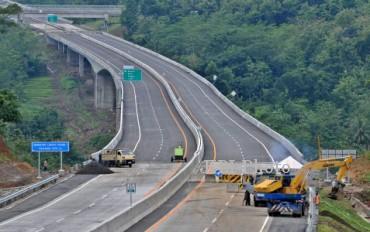 Ilustrasi proyek pembangunan jalan (JIBI/Solopos/Antara/R. Rekotomo)