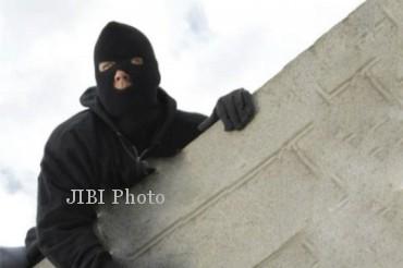 Pencuri Spesialis Panjat Genting Di Sleman Tertangkap Setelah Terjatuh Dari Atap