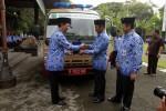 FOTO PENYERAHAN MOBIL URC : Penyerahan Mobil Operasional URC