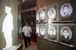 FOTO MUSEUM MEMORIAL PRESIDEN SOEHARTO : Mengamati Koleksi
