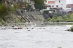 FOTO SUNGAI KALI PEPE : Sampah Mencemari Kali Pepe