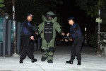 FOTO TEROR BOM BUKU : Pengamanan Menyerupai Paket Bom Buku