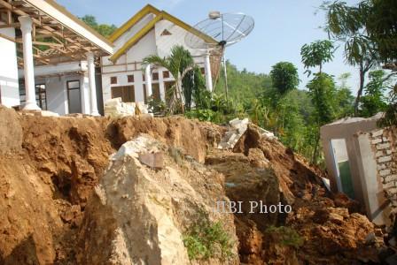 BENCANA JATENG : Sehari, Tanah Longor Dera 4 Kecamatan di Semarang