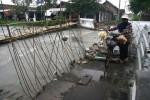 FOTO JEMBATAN GEMPOLSARI : Jebol Diterjang Banjir