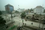 DAMPAK LETUSAN KELUD : Wah! Hujan Abu, Orang Solo Ngungsi ke Hotel