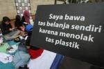 TAS PLASTIK BERBAYAR : Aprindo: Kelebihan Penjualan Kantong Plastik Tidak Untuk CSR