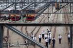FOTO PENAMBAHAN UNIT KERETA : Pembelian 176 unit kereta seri 205