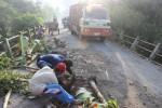 INFRASTRUKTUR BOYOLALI : Halau Truk Galian C, Desa Potronayan Dipasangi Portal