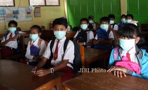 gunung kelud MASKER kediri 110314 Rudi Mulya antara - 19 Sekolah Dasar D Solo Sudah Menggelar Simulasi PTM