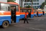 FOTO ANGKUTAN UMUM : Menunggu penumpang