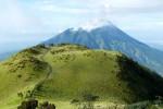 MERAPI WASPADA : Cegah Pendaki Nekat, Polisi Patroli di Jalur Pendakian Merapi