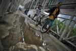 FOTO FASILITAS UMUM : Menghindari genangan air