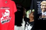 FOTO PENJUALAN KAUS JOKOWI :  Dukungan Jokowi Presiden