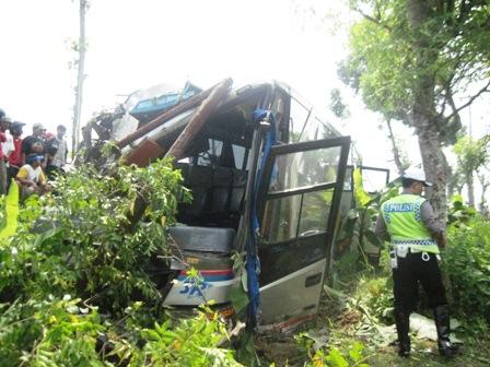 KECELAKAAN SRAGEN : 2 Tewas, Bus Sugeng Rahayu Bantah Ugal-Ugalan