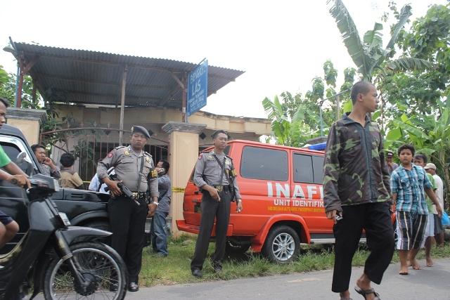 PENANGKAPAN TERDUGA TERORIS : Keluarga Terduga Teroris di Prambanan Shock