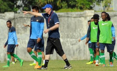 TIMNAS INDONESIA : Pelatih Timnas Pantau Laga PSM