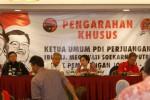 FOTO PILPRES : Megawati Memberi Pengarahan Timses Jokowi-JK
