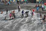 FOTO LIBUR LEBARAN 2014 : Senangnya Berwisata di Pantai Glagah Indah