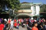 WISATA LEBARAN 2014 : 18.000 Wisatawan Padati Gembira Loka