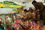 SIDAK MAKANAN : Ritel Solo Masih Jual Makanan Tak Layak Konsumsi