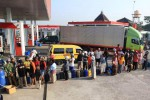 PEMBATASAN BBM BERSUBSIDI : Malam Ini Pembatasan BBM Bersubsidi Dihapus