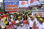 FOTO DEMO BURUH JAKARTA : Karyawan Merpati Tak Digaji 8 Bulan