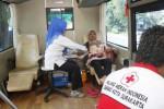 PMI Solo melayani donor darah, Senin (11/8/2014). (Ardiansyah Indra Kumala/JIBI/Solopos)
