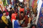 FOTO LIBUR LEBARAN 2014 : Pasar Klewer Diserbu Pemudik