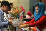 FOTO HARI PELANGGAN NASIONAL 2014 : Karyawan BRI Berbusana Adat Nusantara