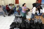 FOTO PEKAN PENDIDIKAN KRISTEN : Siswa SMA Kristen 2 Solo Bagikan Sembako
