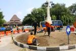 FOTO TUGU NOL KILOMETER SOLO : DKP Solo Renovasi Taman Depan Balai Kota