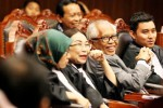 FOTO UU PILKADA : MK Tolak Pengujian UU Pilkada