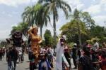 Gendruwo Ikut Ramaikan Kirab Gebyar Pelangi Budaya Bumi Merapi 2014