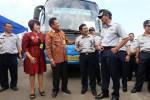 FOTO BUS BANDARA : Bukopin Bantu Damri Biayai Bus Bandara