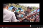 Begini Detik-Detik Polisi Pukul Ibu-Ibu Tolak Pabrik Semen di Rembang