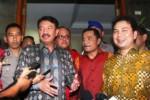 KPK VS POLRI : Panja Hasto-Samad Incar Pelanggaran Abraham Samad
